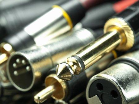 Image de l'article Câble symétrique VS asymétrique- la différence à connaître pour de meilleurs enregistrements